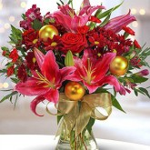 A Traditional Christmas Bouquet
