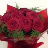 Dozen Red Naomi Roses